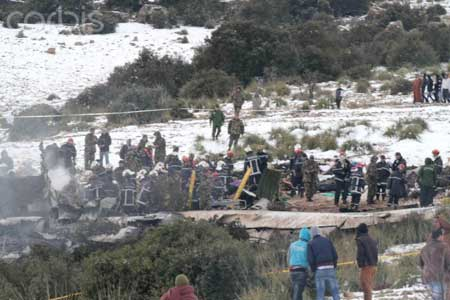 Photo 1 du crash de l'avion militaire en Algérie